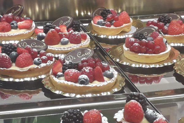 Focacceria Pasticceria Gastronomia Di Cara Genova Pegli - pasticceria frutta