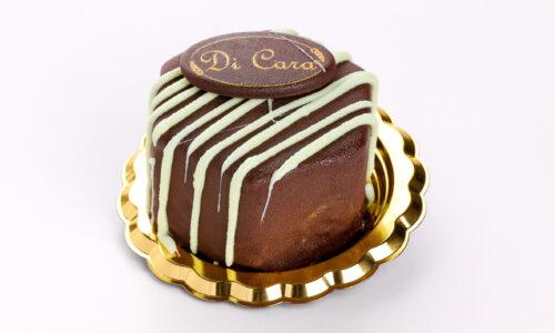 bavarese alla menta con copertura di cioccolato fondente - pasticceria focacceria forno di cara - genova pegli