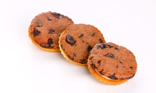 cookie con ganache al cioccolato bianco - biscotto al cioccolato - pasticceria secca - focacceria pasticceria forno di cara - genova pegli