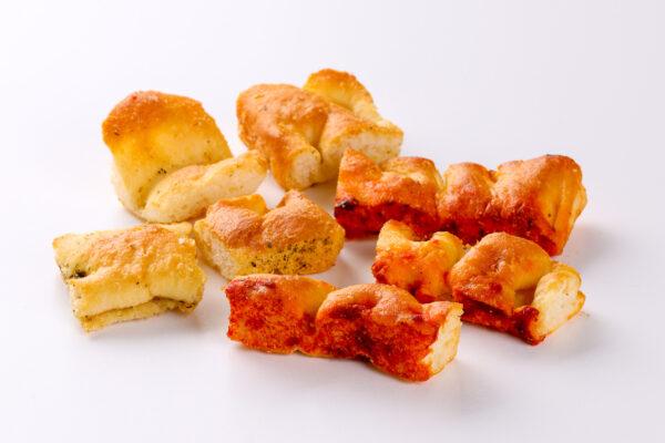 crostini al rosmarino e crostini al pomodoro - salato - focacceria pasticceria forno Di Cara - genova pegli
