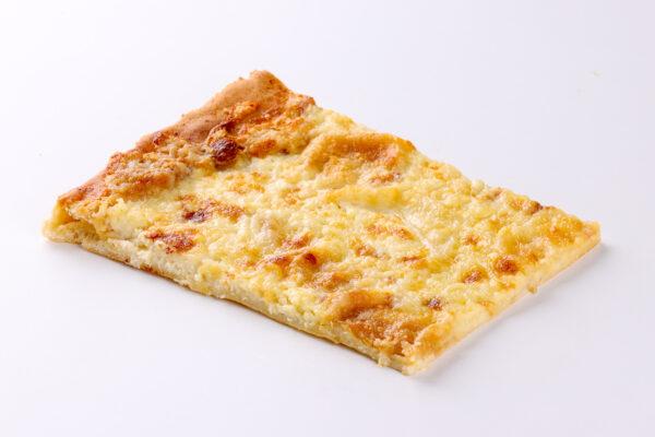 focaccia al formaggio tipo Recco - salato - focacceria pasticceria forno Di Cara - genova pegli