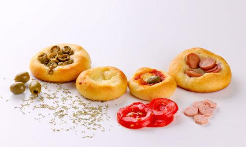 pizzettine alle olive - pizzettine ai wurstel - pizzettine al formaggio - pizzettine - salato - focacceria pasticceria forno di cara - genova pegli
