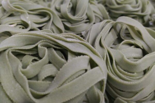 tagliatelle-pasta fresca-di cara-genova-catering-focaccia-pegli-gastronomia