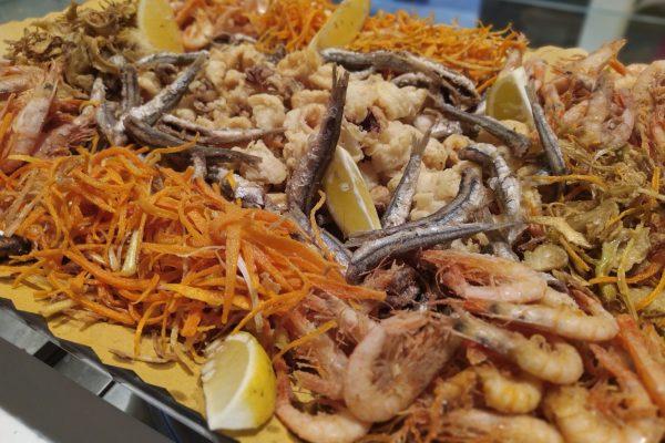 fritto misto di pesce gastronomia Di Cara